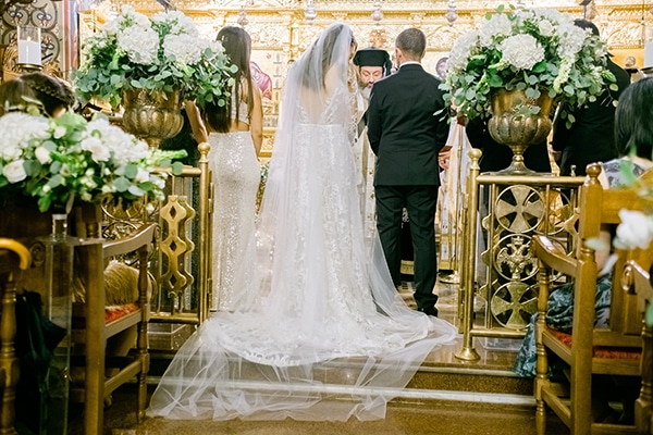 elegant-fall-wedding-Cyprus-romantic-details-white-hues_09