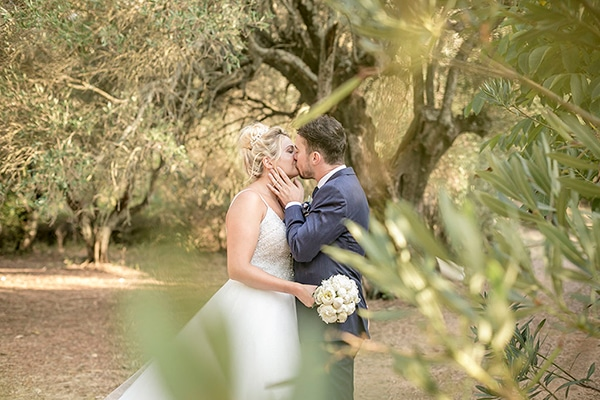 romantic-summer-wedding-wonderful-olive-grove-kefalonia-island_02