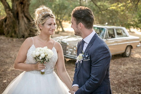 romantic-summer-wedding-wonderful-olive-grove-kefalonia-island_03x