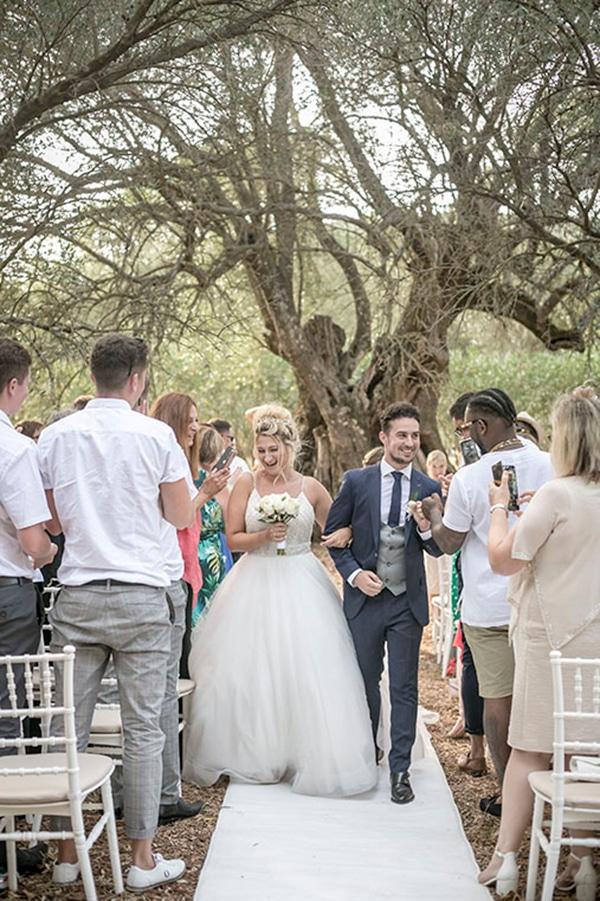 romantic-summer-wedding-wonderful-olive-grove-kefalonia-island_19
