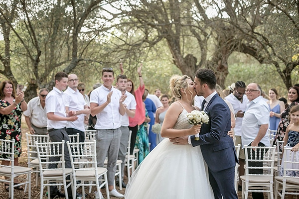 romantic-summer-wedding-wonderful-olive-grove-kefalonia-island_20