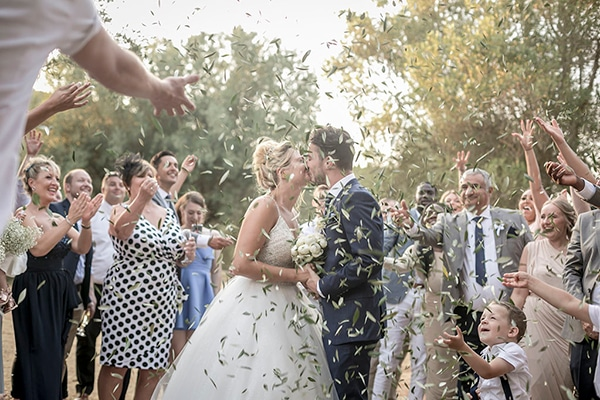 romantic-summer-wedding-wonderful-olive-grove-kefalonia-island_21