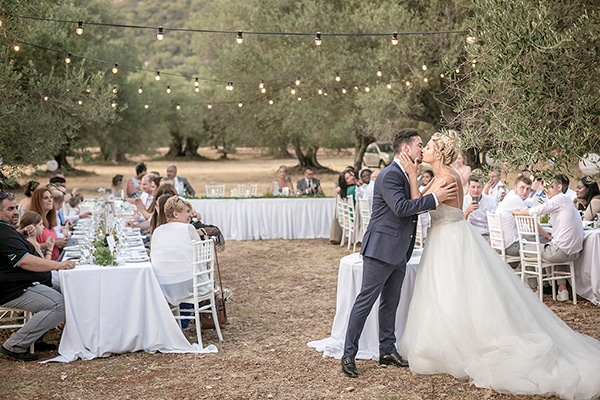 romantic-summer-wedding-wonderful-olive-grove-kefalonia-island_27