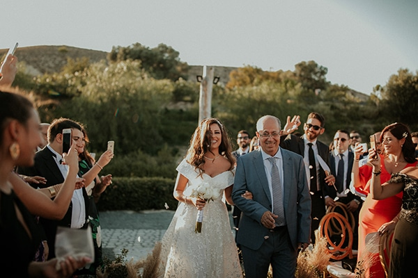 rustic-summer-wedding-nicosia-string-lights-flowers-vivid-colors_27