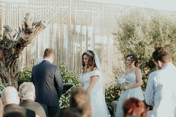 rustic-summer-wedding-nicosia-string-lights-flowers-vivid-colors_32
