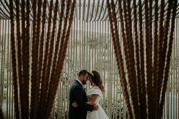 rustic-summer-wedding-nicosia-string-lights-flowers-vivid-colors_44