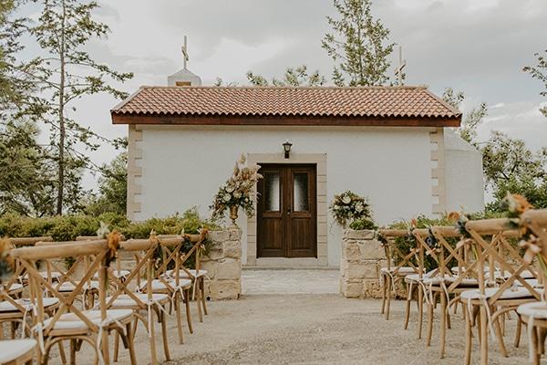 al-fresco-rustic-wedding-cyprus-soft-colors_12