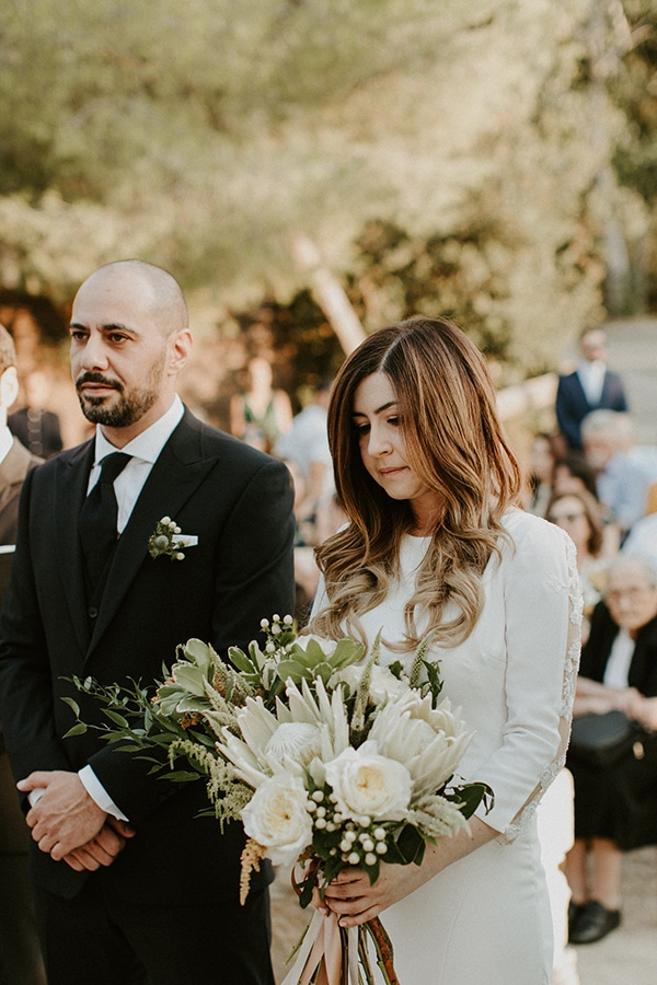 al-fresco-rustic-wedding-cyprus-soft-colors_18