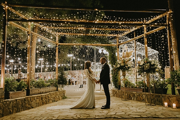 al-fresco-rustic-wedding-cyprus-soft-colors_31