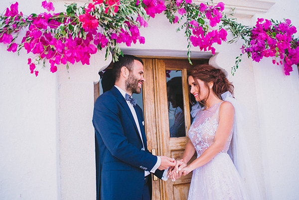 beautiful-summer-wedding-bougainvillea-folegandros_01