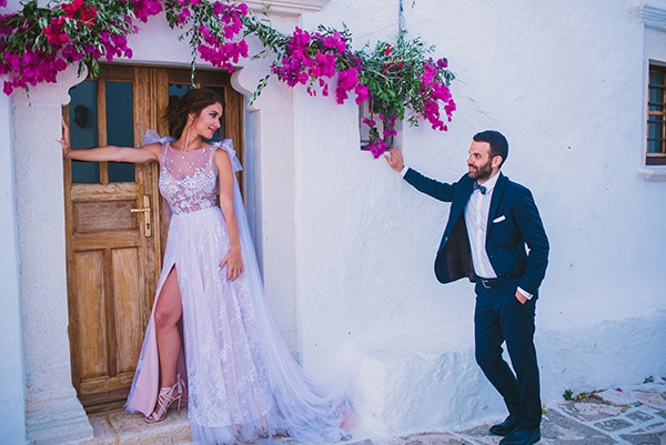 beautiful-summer-wedding-bougainvillea-folegandros_03