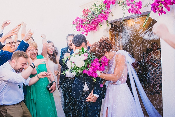 beautiful-summer-wedding-bougainvillea-folegandros_41x