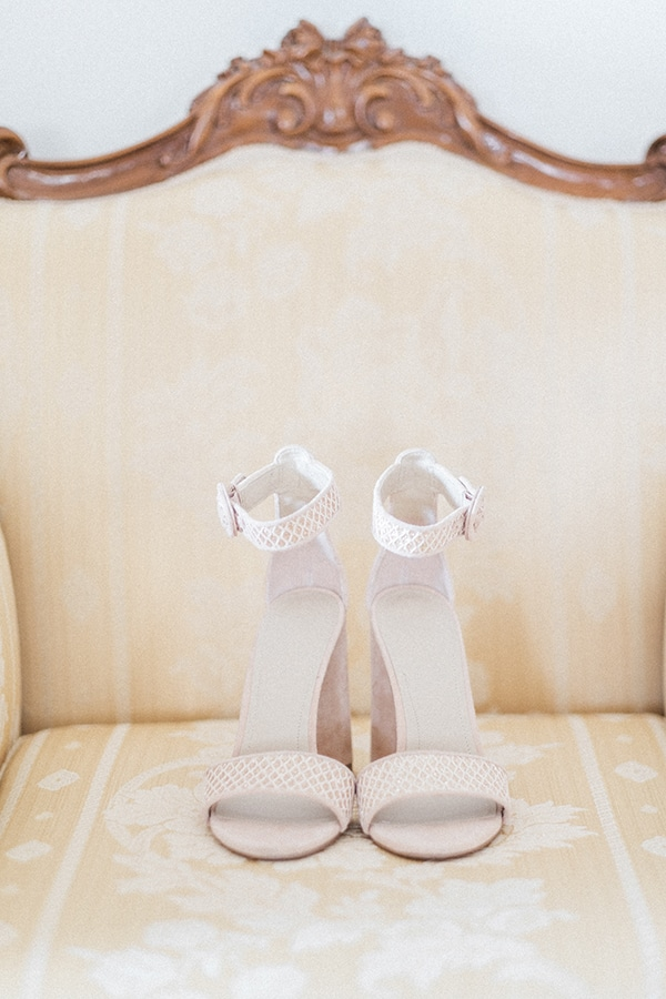 charming-lavender-inspiring-wedding-athens-romantic-details_06