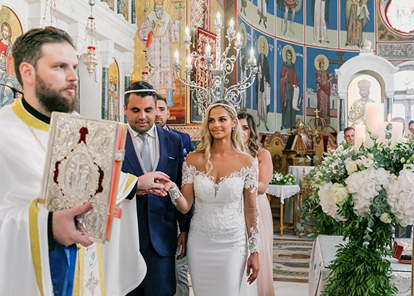 dreamy-elegant-wedding-athens-white-flowers-fairy-lights_08x