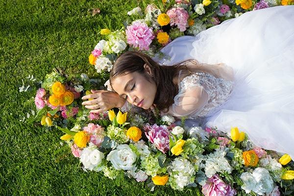 dreamy-styled-shoot-athenian-riviera-romantic-elegant-decoration_01