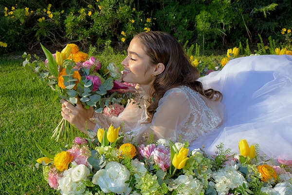 dreamy-styled-shoot-athenian-riviera-romantic-elegant-decoration_13