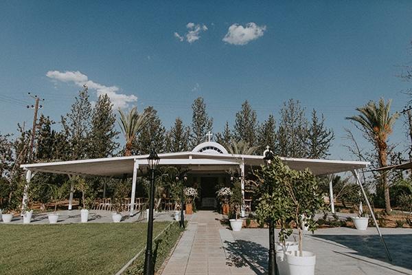 glamorous-wedding-full-romance-lapatsa-countryside_10x