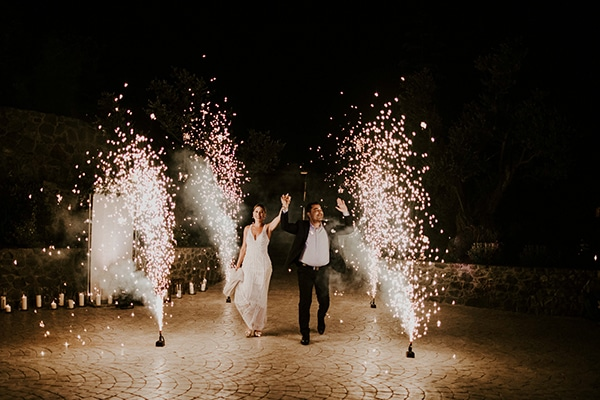 glamorous-wedding-full-romance-lapatsa-countryside_33