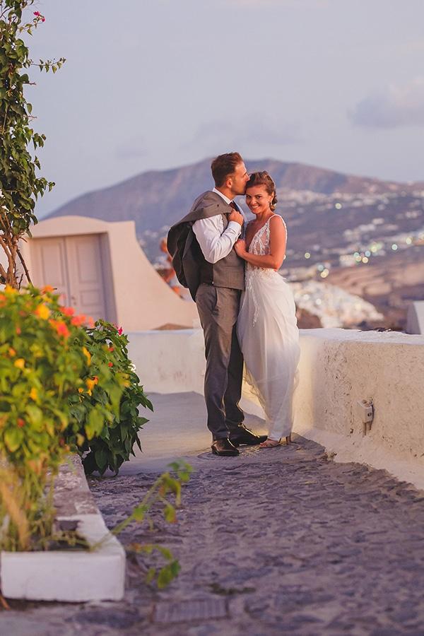 intimate-blue-white-wedding-imerovigli-santorini_02x