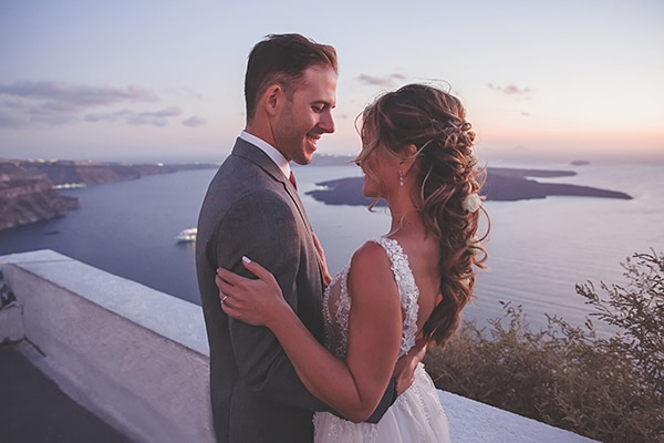 intimate-blue-white-wedding-imerovigli-santorini_03x