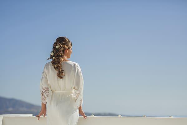 intimate-blue-white-wedding-imerovigli-santorini_05