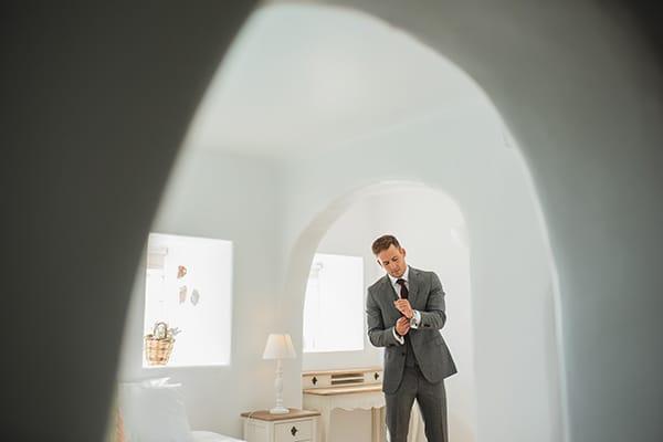 intimate-blue-white-wedding-imerovigli-santorini_13