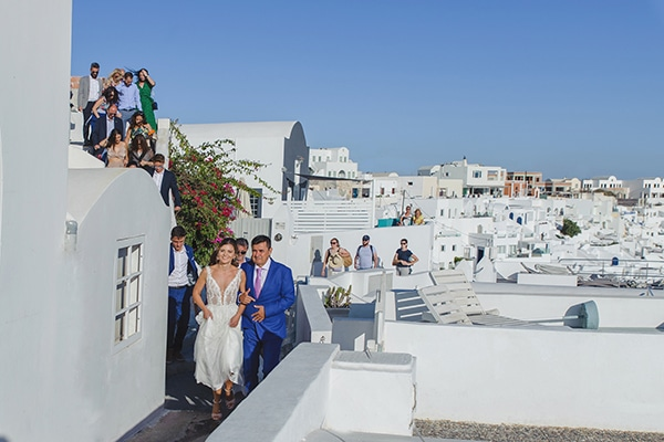 intimate-blue-white-wedding-imerovigli-santorini_17