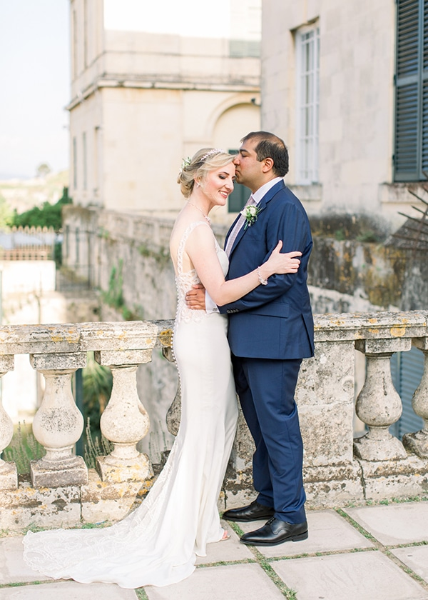 intimate-wedding-corfu-timeless-white-romantic-dusty-blues_01