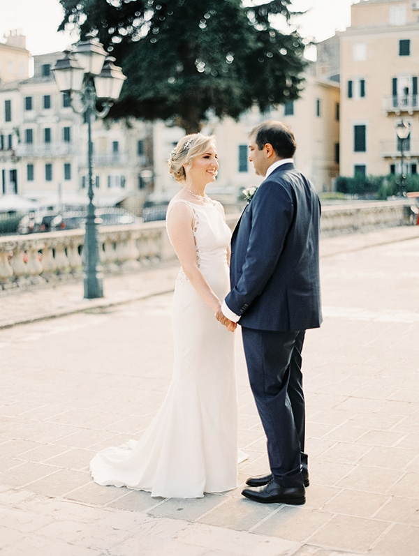 intimate-wedding-corfu-timeless-white-romantic-dusty-blues_48x