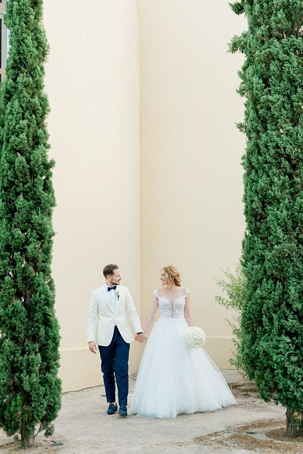 lovely-summer-wedding-athens-white-flowers_17