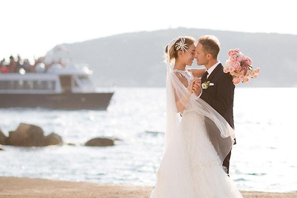 lush-garden-style-wedding-parga-touches-elegance_01