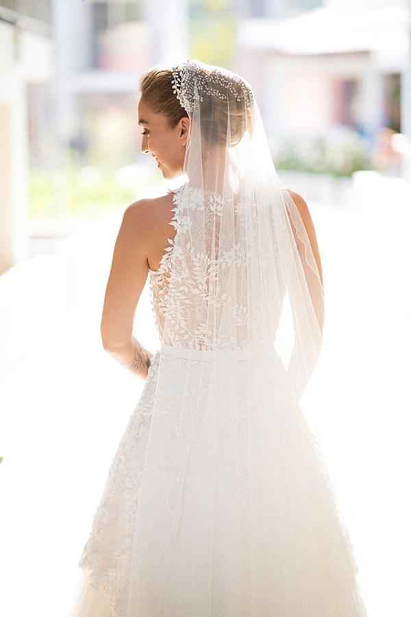 lush-garden-style-wedding-parga-touches-elegance_02x