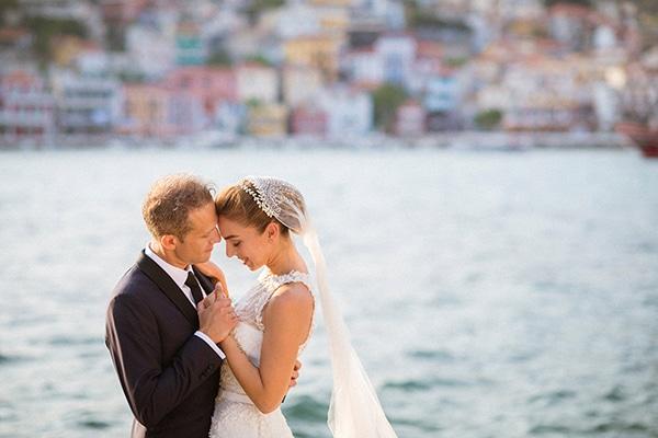 lush-garden-style-wedding-parga-touches-elegance_03