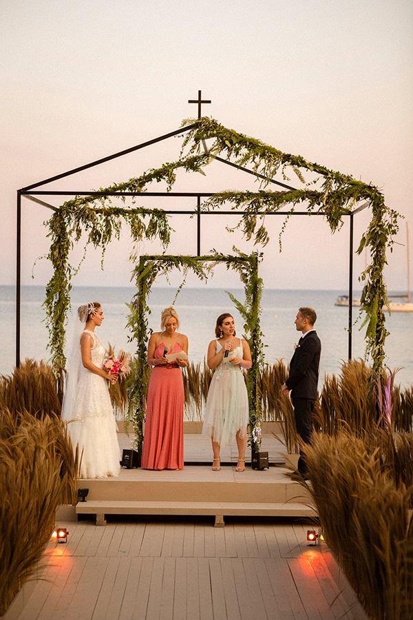lush-garden-style-wedding-parga-touches-elegance_32x
