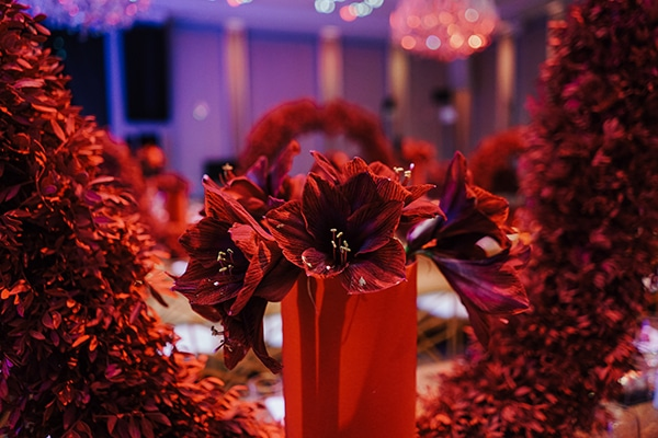 luxe-wedding-limassol-red-gold-accents_12
