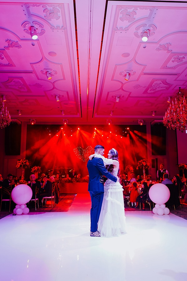 luxe-wedding-limassol-red-gold-accents_15
