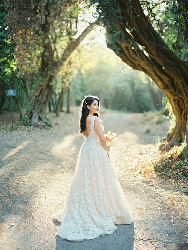 romantic-summer-wedding-corfu-island-pink-hues_03