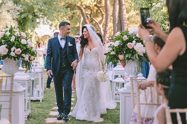 romantic-summer-wedding-elegant-details-residence-venue_19