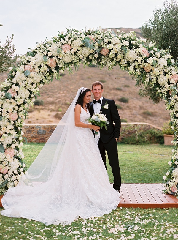 romantic-summer-wedding-hatzi-mansion_18x