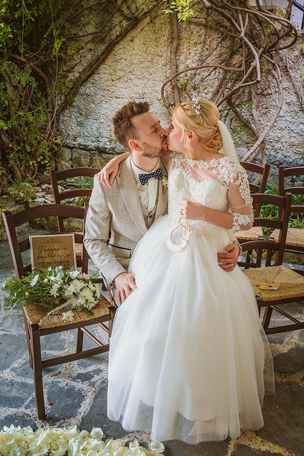 rustic-fall-wedding-vasilias-nikoklis_02x
