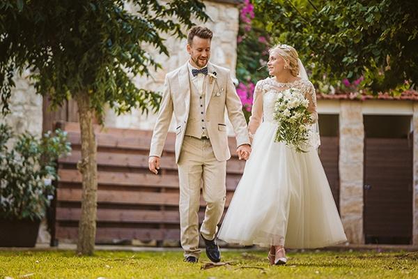 rustic-fall-wedding-vasilias-nikoklis_03
