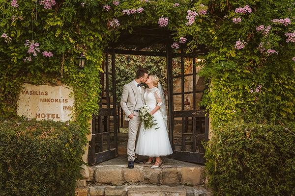 rustic-fall-wedding-vasilias-nikoklis_03x