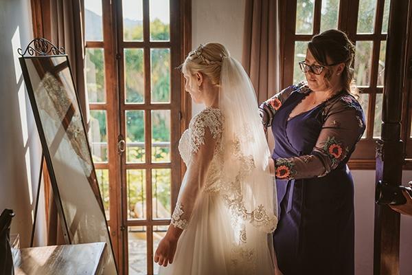 rustic-fall-wedding-vasilias-nikoklis_05x