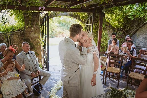 rustic-fall-wedding-vasilias-nikoklis_21