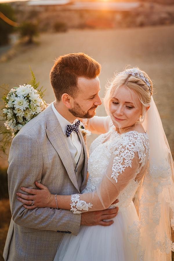 rustic-fall-wedding-vasilias-nikoklis_38