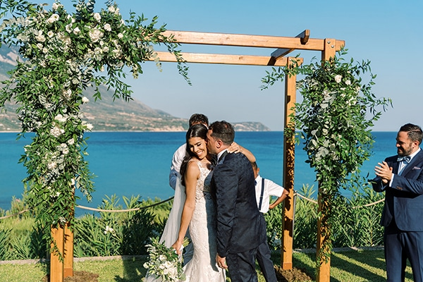 Intimate garden wedding in Kefalonia with lovely details│ Chelsea & Nicholas