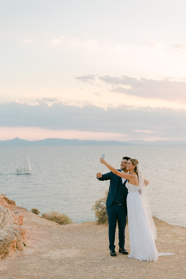 beautiful-outdoor-wedding-succulents-gold-details_01x