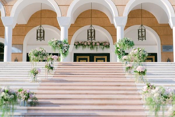 beautiful-outdoor-wedding-succulents-gold-details_07