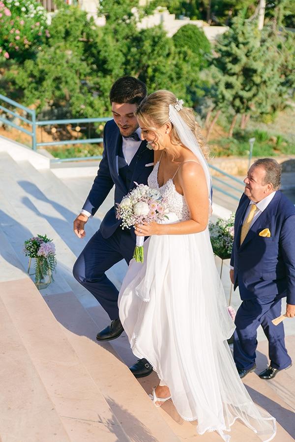 beautiful-outdoor-wedding-succulents-gold-details_09