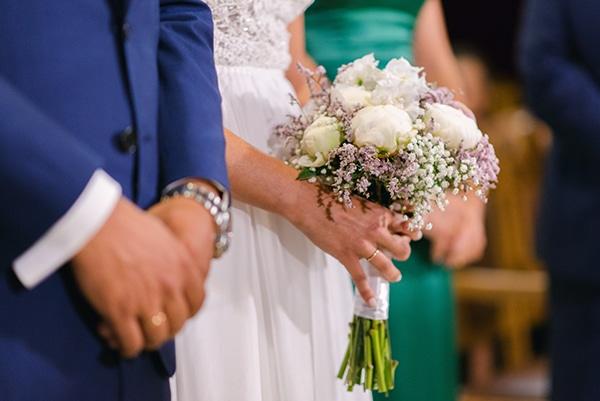 beautiful-outdoor-wedding-succulents-gold-details_11